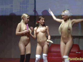 Порно лесби в чулках бесплатно