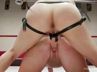 Порно глотка кончает в рот