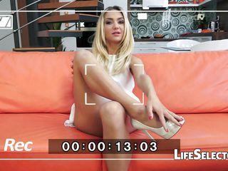 Порно видео русская девушка сосет