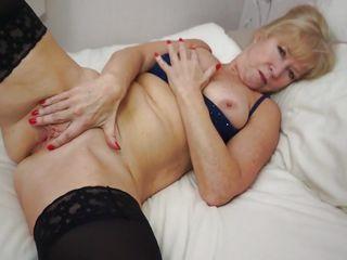 Смотреть порно кончил жене в рот