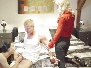 порно жена трахнула мужа в попу